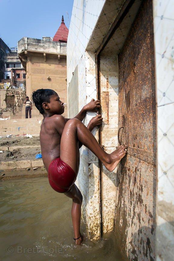 Brett-Cole-India-05755_xgaplus.jpg (혐) 인도인들의 성수 겐지스 강 실태.jpg