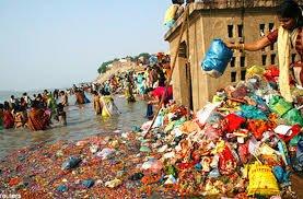 2018-05-07-11-31-02-.jpg (혐) 인도인들의 성수 겐지스 강 실태.jpg