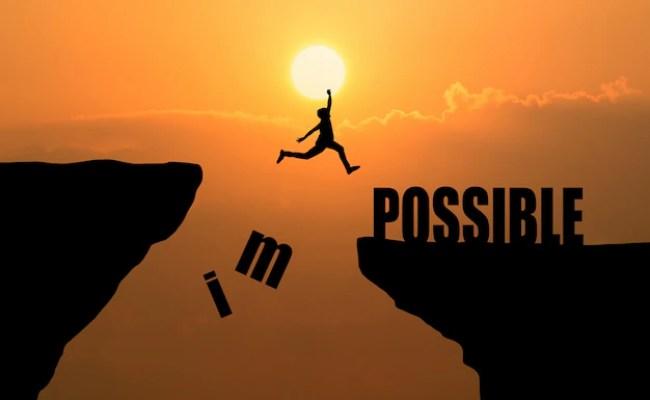 Hombre Que Salta Sobre Imposible O Posible Sobre