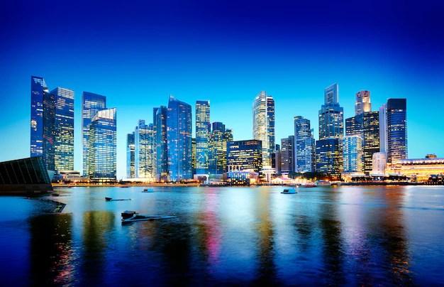Paisaje urbano singapur panorámica concepto de noche Foto gratis