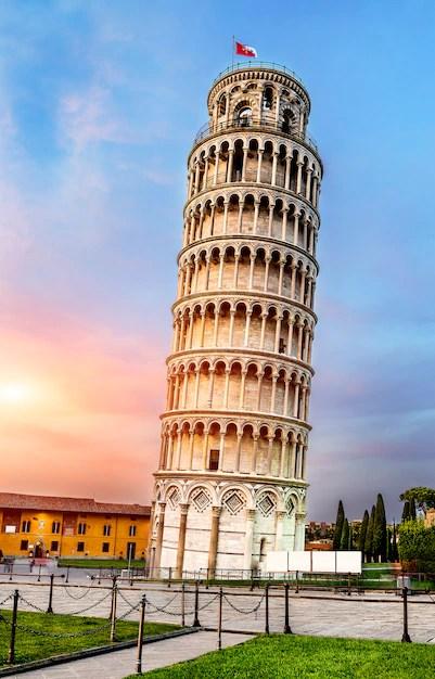 Torre inclinada de pisa, italia | Foto Premium