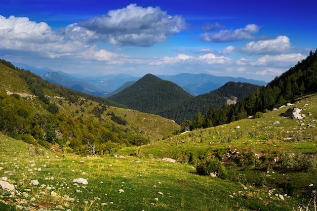 Splendido paesaggio di montagna  Scaricare foto gratis