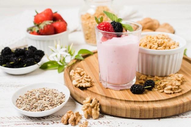 Copo de iogurte pode causar sobrepeso, mesmo com uso de frutas
