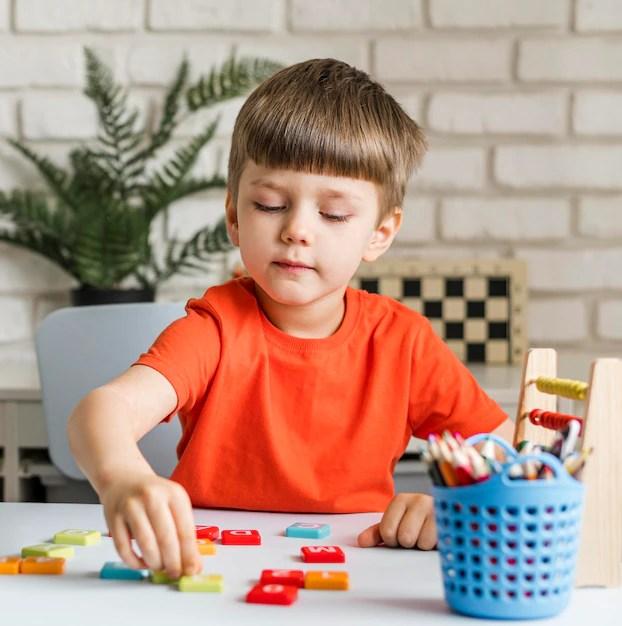30 Sugestões de atividades para trabalhar o nome próprio com crianças