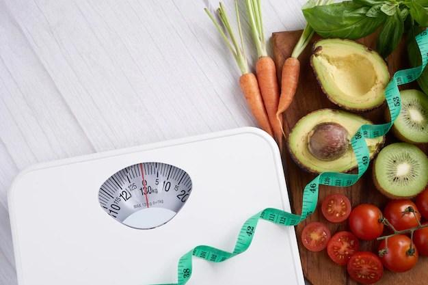 escala-de-perda-de-peso-com-centimetros-vista-do-topo_1150-42311 Dieta barata para emagrecer e perder barriga