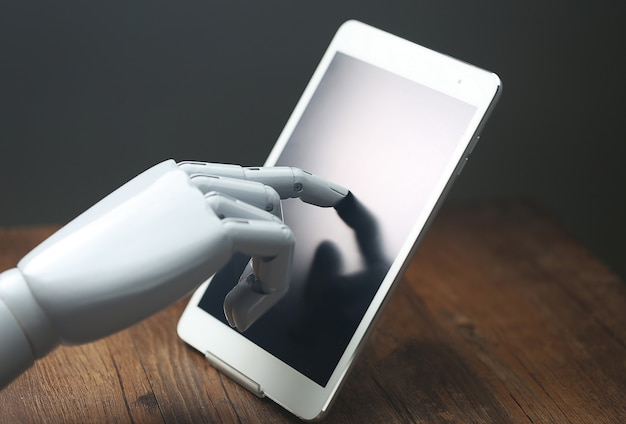 AI robotic operations tablet Free Photo