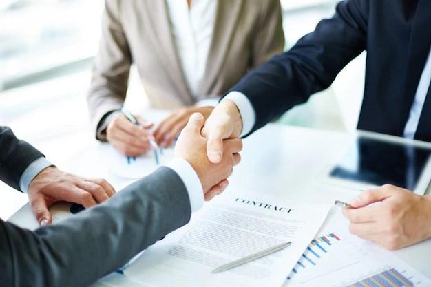 Skaka hand om ett avtal