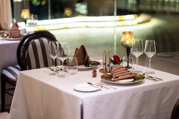 Free Photo | Luxury dinner table in hotel