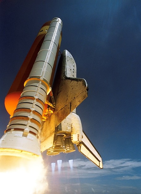 Free Photo | Start spaceport space shuttle discovery