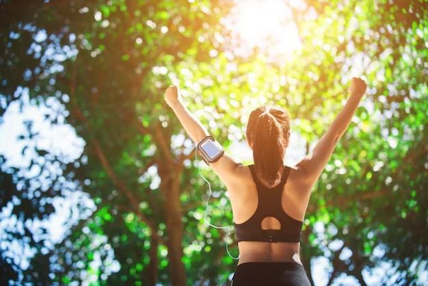 Kết quả hình ảnh cho fitness girl walking wallpaper