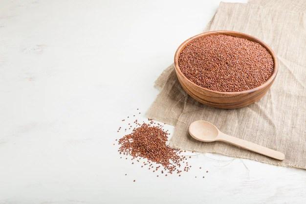 藜麥可以說是這幾年崛起的超級食物,雖然是穀物,但營養成分超越許多蔬果,含有人體必需的 8 種胺基酸。