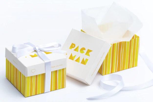 Download Premium PSD | Gift box mock up design