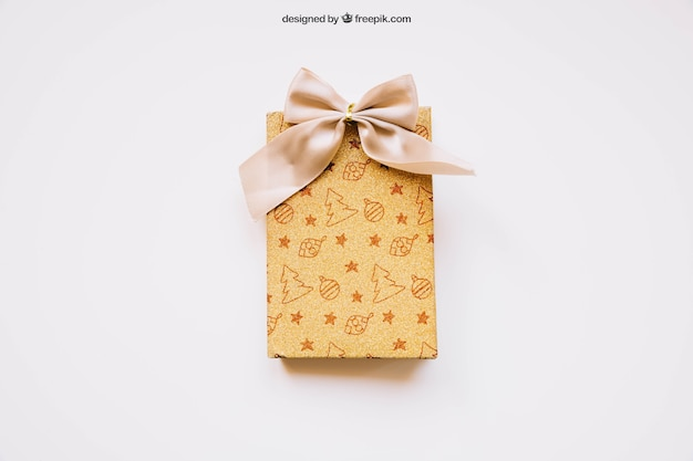 Download Free PSD | Gift box mockup with christmas design