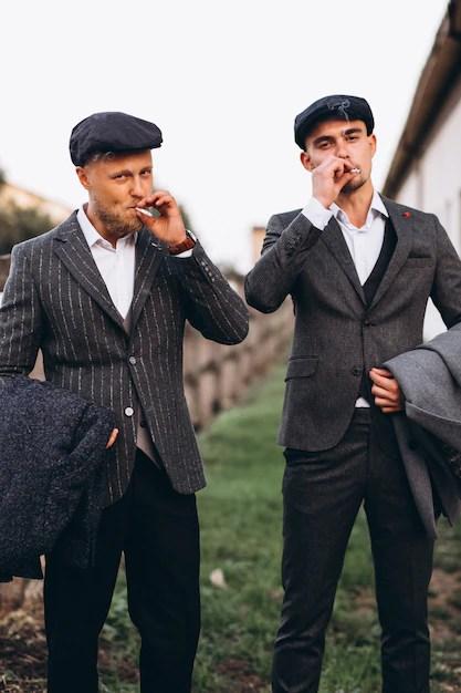 Deux Hommes En Costume : hommes, costume, Beaux, Hommes, Costume, Fumant, Ranch, Photo, Gratuite