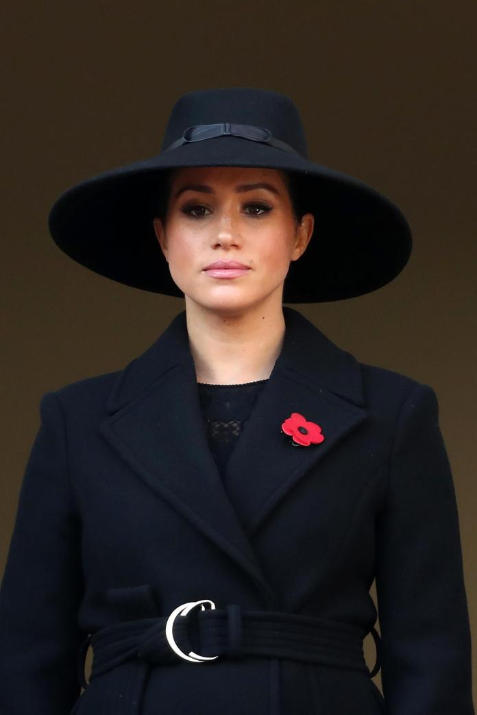 Duchess Meghan shows up with a XL hat