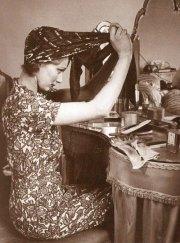 women's role war glamourdaze