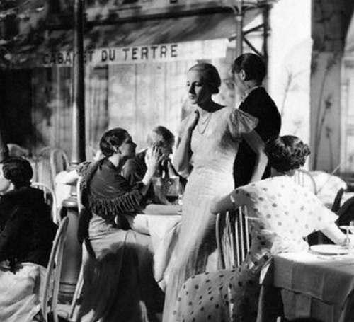 1932---Montmartre-place-du-tertre-Paris