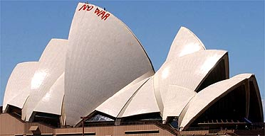 Iraq protest on the Sydney Opera House