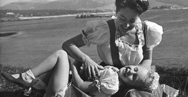 Joan Crawford and daughter Christina