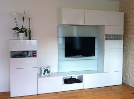 Ikea BESTA Wohnwand Schrankwank Weiß mit Glas, TV Rückwand ...