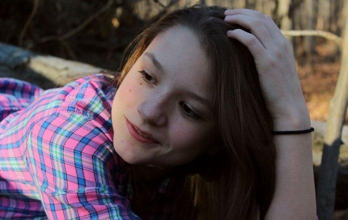 young_girl_with_nice_hair hair fall