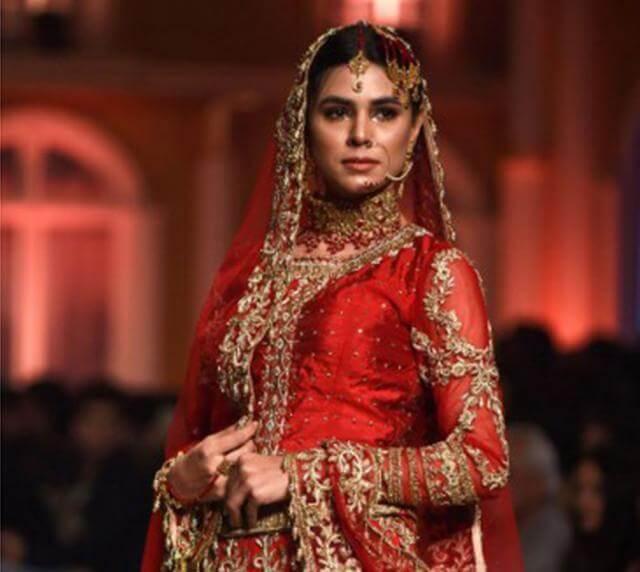 Lahore_fashion_show_2 modeling profession