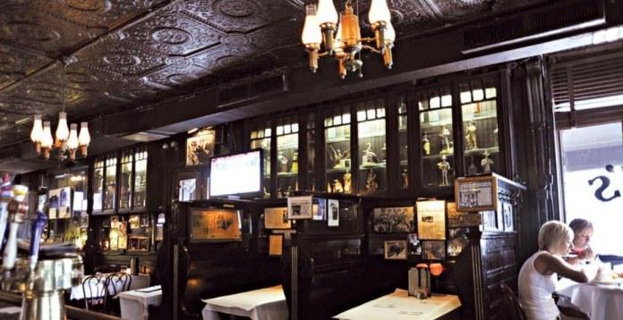 peters_tavern_inner_part restaurant