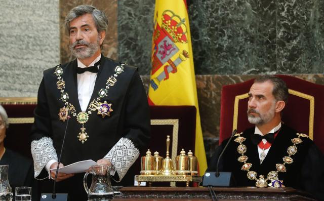 """El PCE pide la dimisión de Lesmes y Díez-Picazo por """"actuar descaradamente al dictado de la banca""""."""