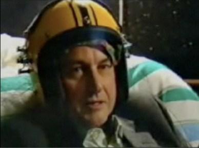 God Helmet yang sedang diuji coba
