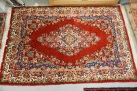 HAND MADE ORIENTAL AREA RUG MEASURING 4 FT 8 INCHES X 6 FT 1