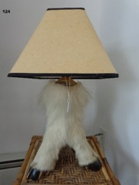 MOUNTAIN GOAT FOOTED LAMP