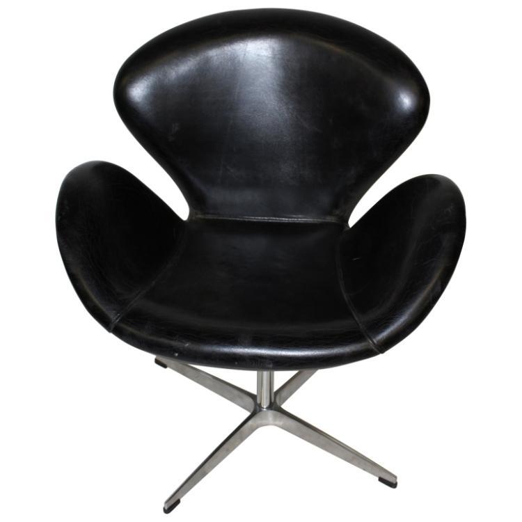 arne jacobsen swan chair deck chairs sainsburys lot 106