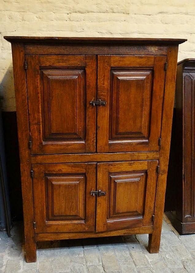 meuble de style louis xiii 4 portes en chene h 150 cm l 107 cm p