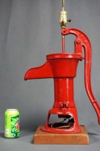 VINTAGE CAST IRON PITCHER HAND PUMP LAMP