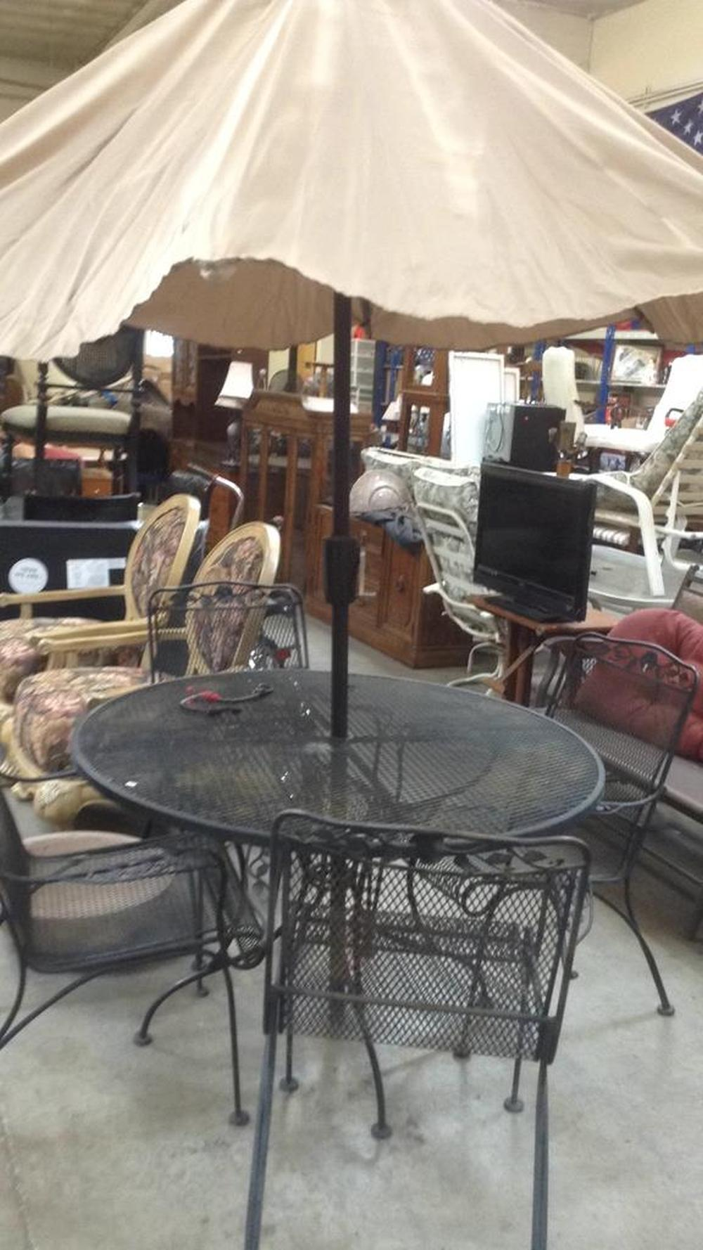 6 piece vintage wrought iron patio table chairs and umbrella