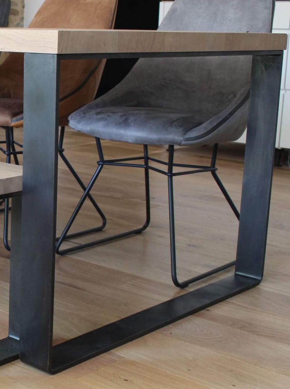 pied de table rectangulaire large pour cuisine