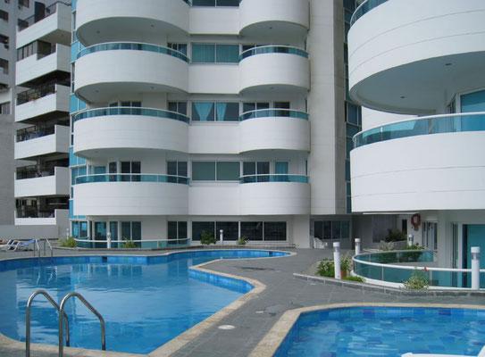 Edificio Torres del Lago  Torre A  Apartamento 604