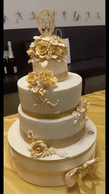 Hochzeitstorten  Hochzeitsfloristik  Aperitiviandmorech