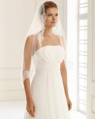 Hochzeitskleid Ohne Spitze  Friseur