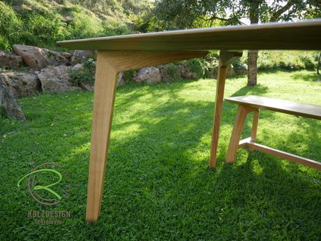 Esstisch Eiche mit Schweizer Kante  Holzdesign Rapp Geisingen