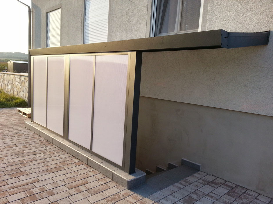Uberdachung Kellerabgang Mit Uberdachungsbausatz Prima Incl Seitenwande Aus Pc Doppelstegplatten