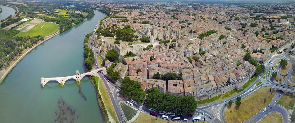 Visiting Avignon Chambres Dhotes Le Clos Des Sorgues