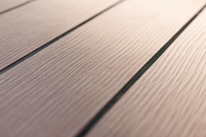 Megawood - Aus Holz, Polymeren Und Additiven - Dieholzterrassens