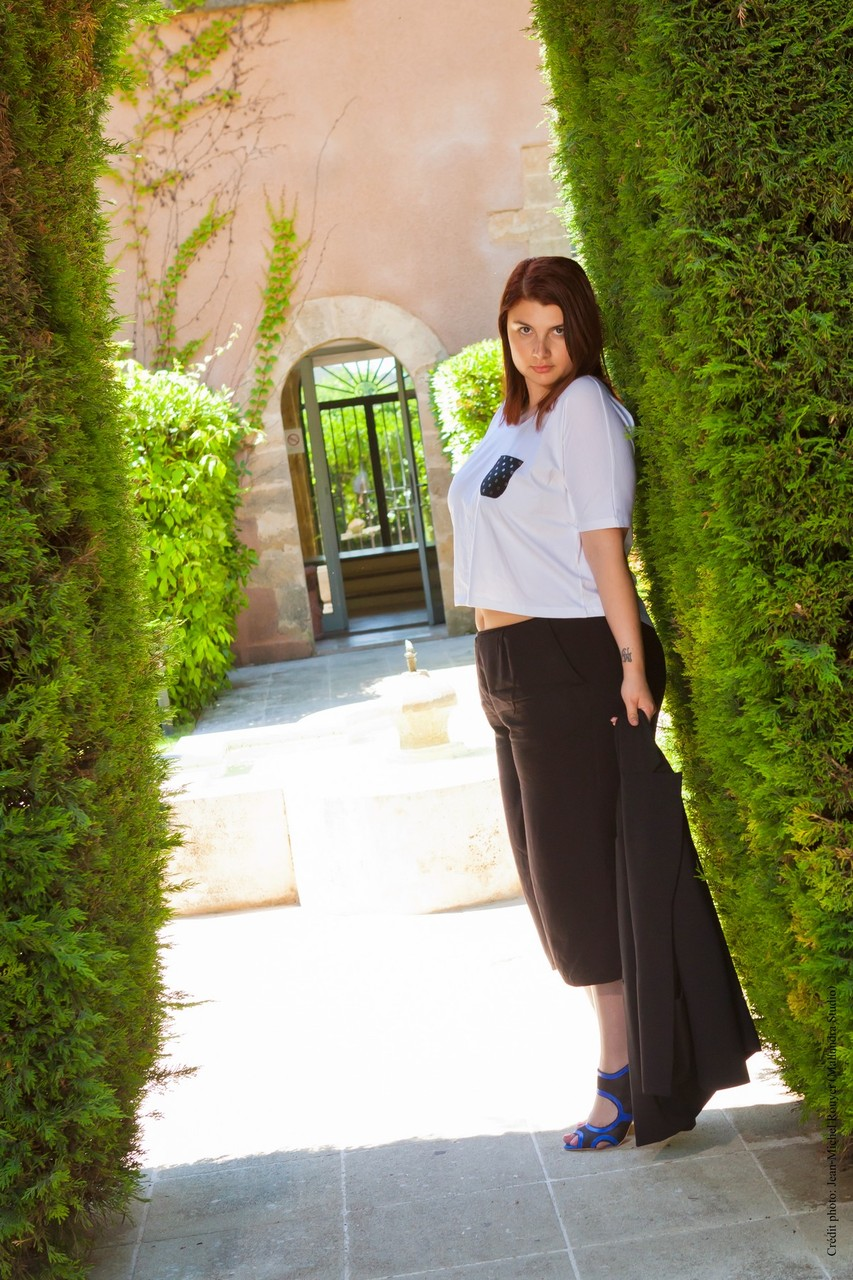 MADE IN PROVENCE CHIC WITH CURVES Manon Edwards