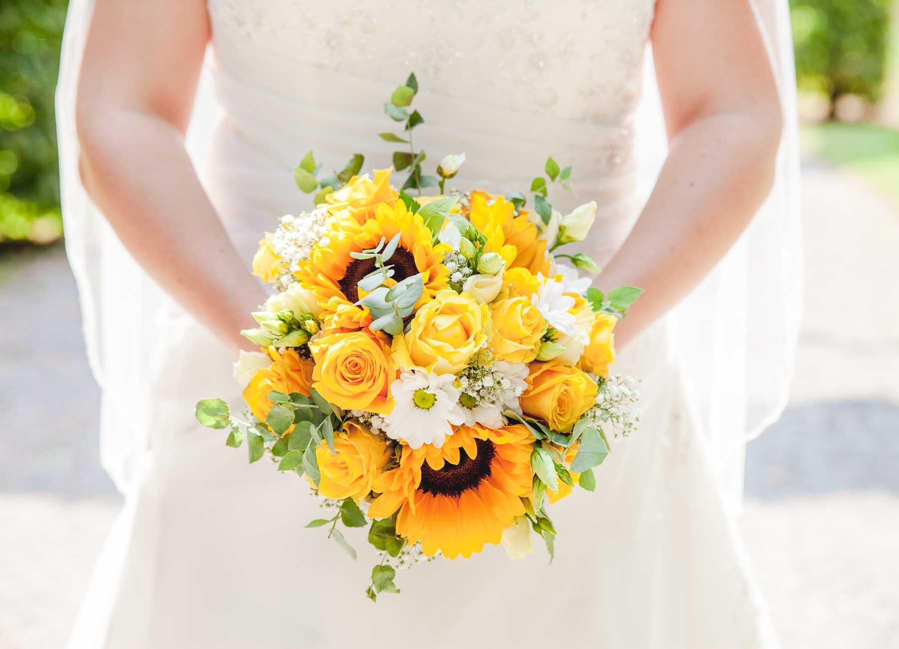 Hochzeitsfotograf und Hochzeitsvideografie aus