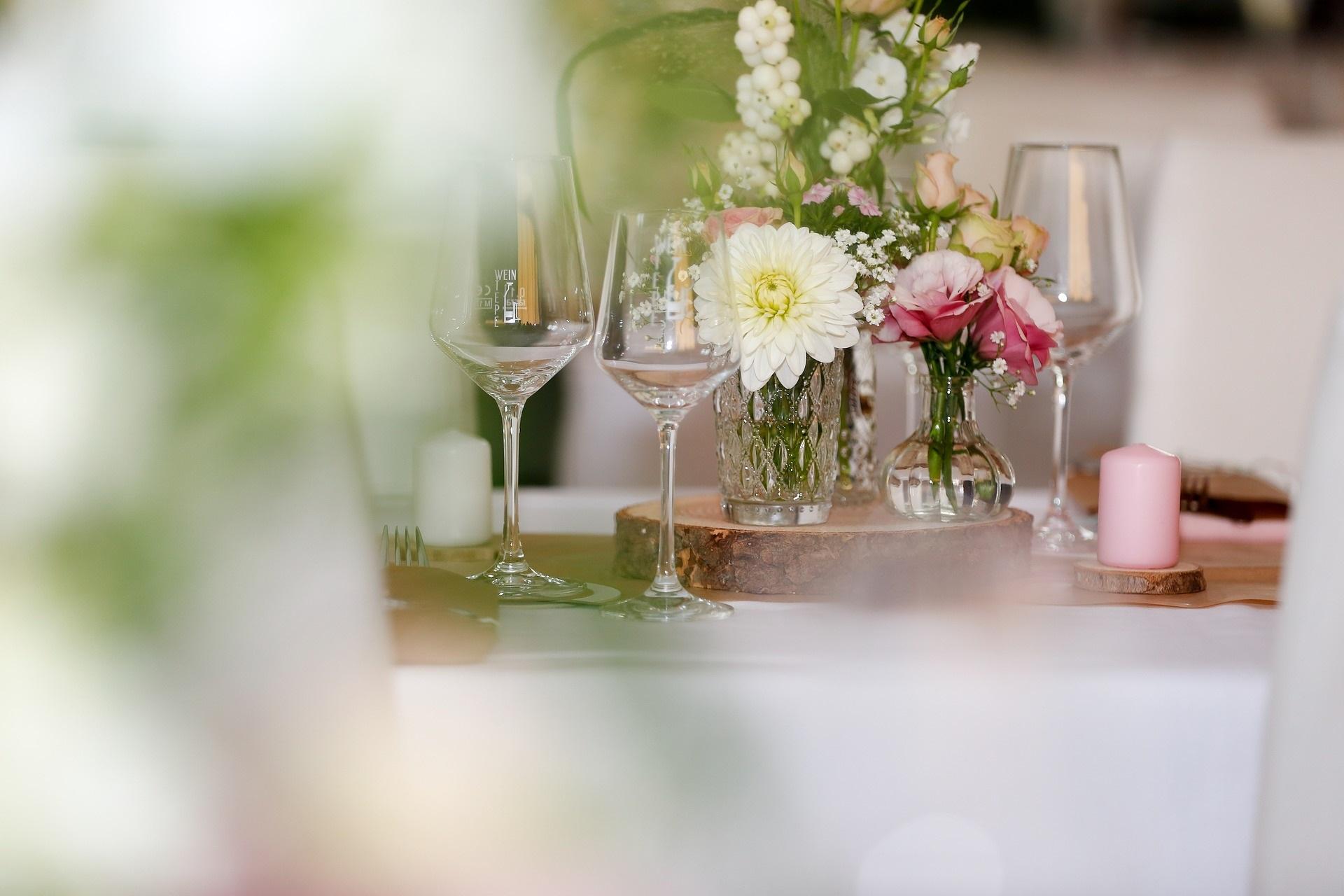 Hochzeitstisch Deko  MAKE MY DAY  Das Hochzeitsmagazin