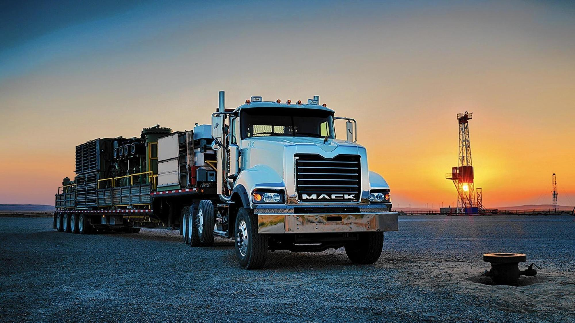 hight resolution of mack truck titan