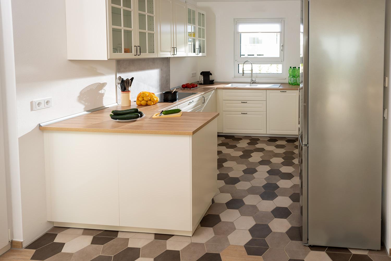 Zementfliesen Küchenboden   Ahorn   Kreadomus