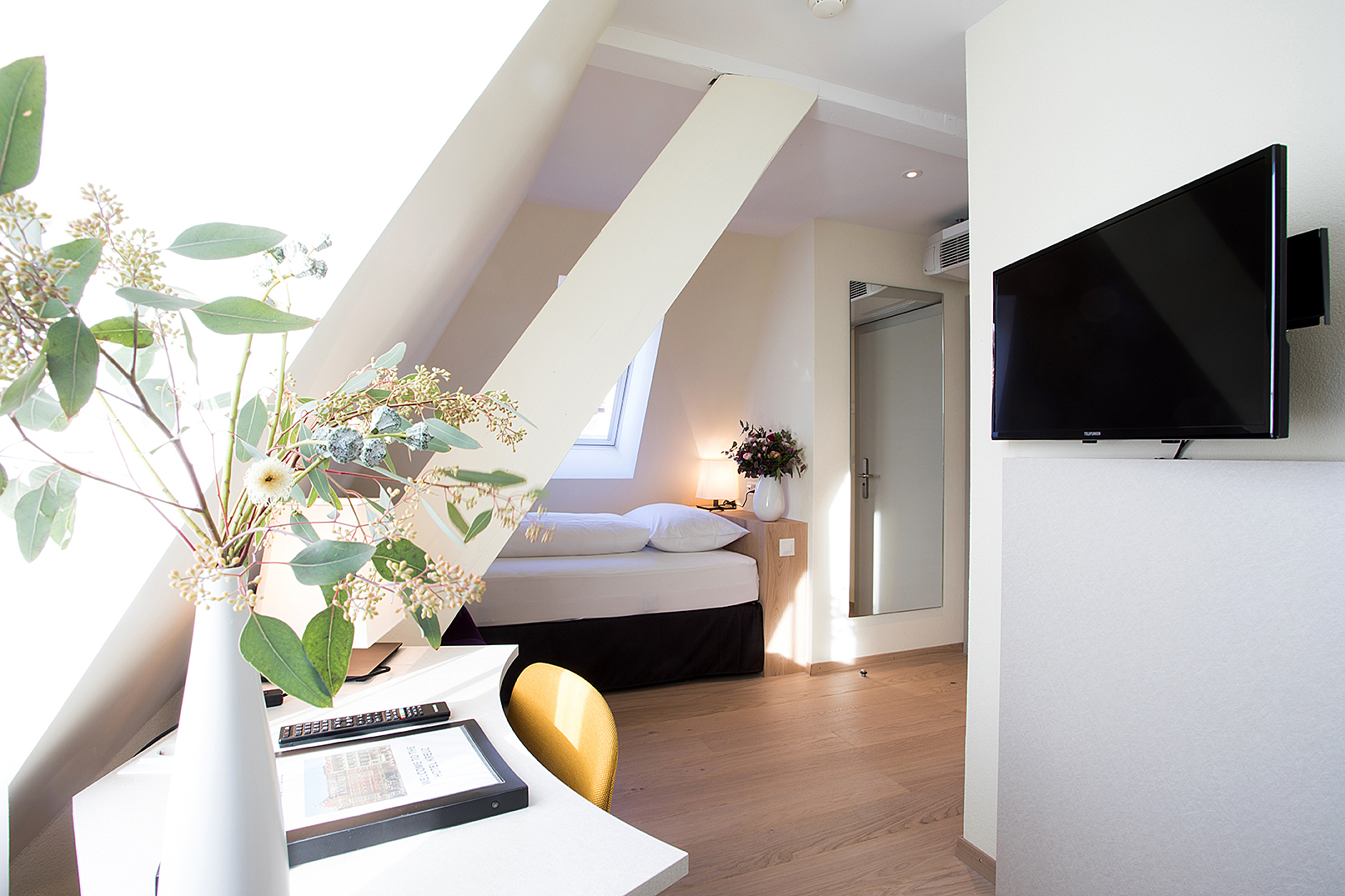umbau zimmer hotel kreuz  bern  pjkarchitekturs Webseite