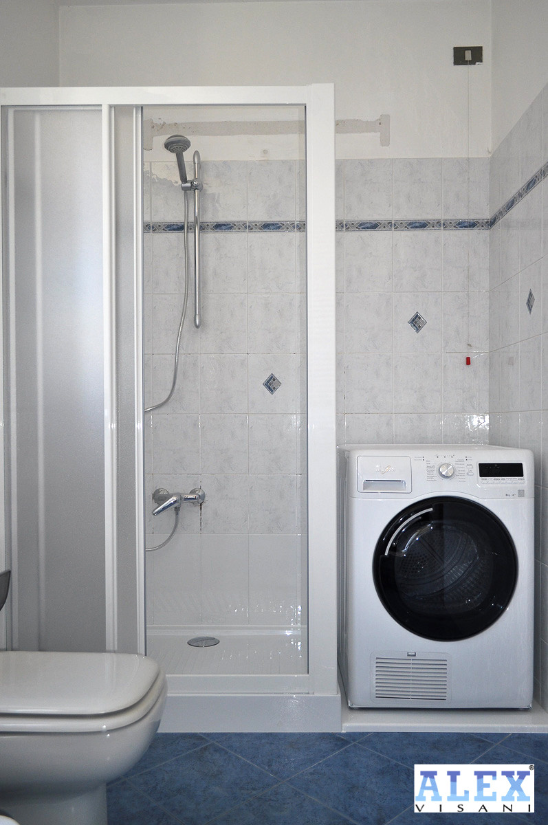 Da Vasca a Doccia soluzione con alloggio lavatrice